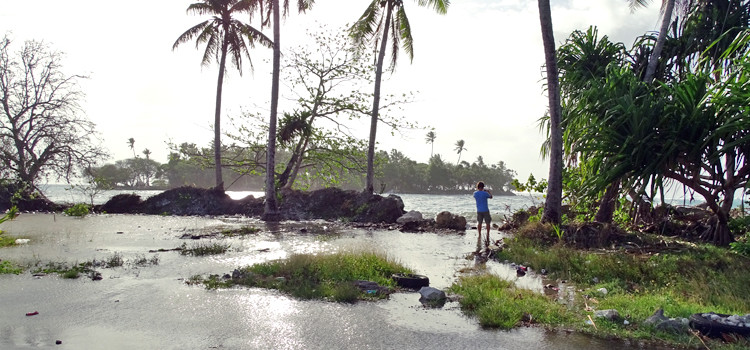 Guam warns of tidal flooding