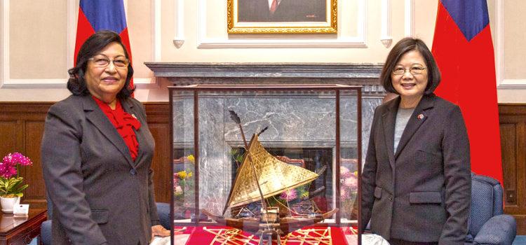 Edwards meets ROC's Tsai